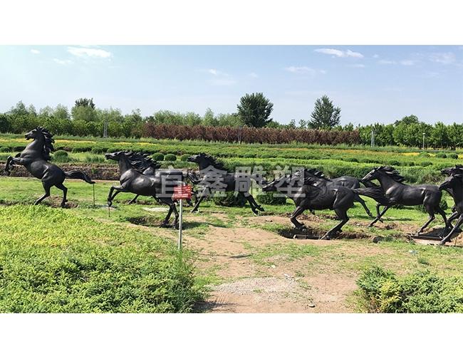 五大动物铸铜铜雕构成园林的美丽画面
